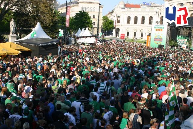 Feier_Rathausplatz_12